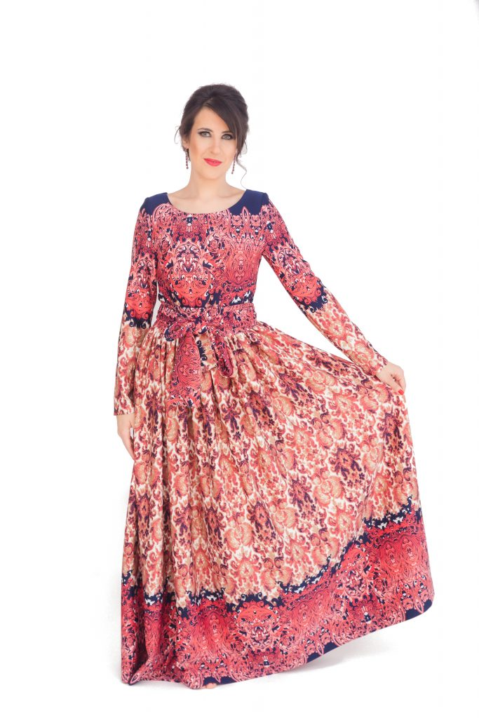 Boho maxi dress with long sleeves and oriental boho print